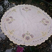 SALE Lovely Linen Arts and Crafts Embroidery Oval Table Centerpiece