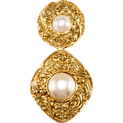 CHANEL Faux-Pearl 1980s Dangle Brooch