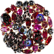 Hattie Carnegie Red & Pink Rhinestone Brooch Pin