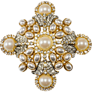 Kenneth Jay Lane Pearl & Rhinestone Brooch Pin Pendant