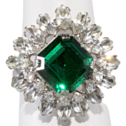 Napier Emerald Green Clear Rhinestone Cocktail Ring 1960s