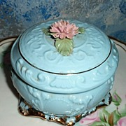 SOLD Vintage Heritage House 'Romance' Music Box