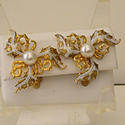 Vintage Earclips with Gold- and Silver-Toned Metal & Faux Pearls