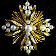Vintage Lisner Goldtone & Faux Pearl Starburst Pin