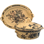 18th c. Worcester Porcelain Blue & White Tureen, Cover and Undertray