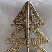Large Vintage John Hardy Christmas Tree Dress Clip
