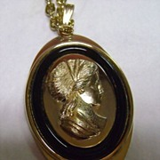 Vintage Gold Tone Avon Faux Jet and Cameo Pendant Necklace
