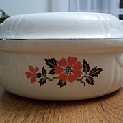 Hall China Red Poppy 1.5 Quart Radiance Casserole With Lid
