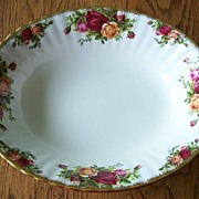 Royal Albert Old Country Roses Oval Serving Bowl England