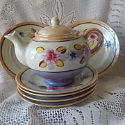 Japan Children Teapot and Six  Plates