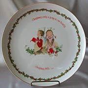 Holly Hobbie 1973 Christmas Collector Plate