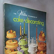 1974 The Wilton Yearbook of Cake Decorating