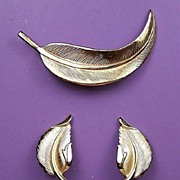 Silver-Tone Leaf Pin & Earrings Set, Lovely Textured & Molded Details, 1980s