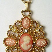 Romantic Poet Necklace, White Cameo Portrait & Miniature Florals on Apricot-Pink Ground, Pearl