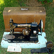 Antique White Rotary 1913 Sewing Machine With Oak Case