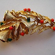 """SALE Vintage Boucher Christmas Gold Bells Boughs of Holly  SIGNED Brooch Pin """"RARE"""""""