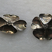 Vintage Stuart Nye 2 Brooches Pin Modernist Sterling Silver Dogwood Set