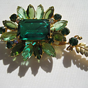 Vintage Juliana D&E HUGE Emerald Square Rhinestone Spray Pin Brooch