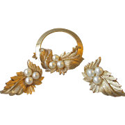 Vintage 1960's Sarah Coventry LEAF Faux Pearl Circle Pin & Clip Earrings Set