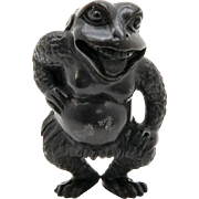 Japanese Hard-wood Netsuke Frog Artist signed