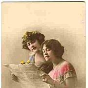 1916: Tinted Photo-Postcard: 2 Girls singing
