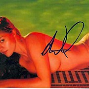 Susan Ward Autograph on color Photo.