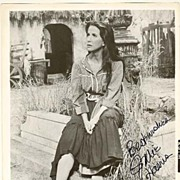 Julie Harris Autograph: b/w 8 x 10 Photo with authentic signature. CoA