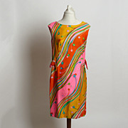 Circa 1960s Ja-Na Hawaiian Shift Dress