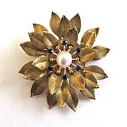 SALE Gold-Tone Krementz Blue Rhinestone Culture Pearl Mum Pin