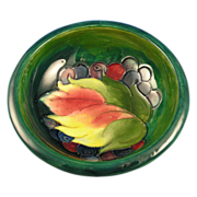 Moorcroft England Green Leaf and Berries Motif Dish (c.1919-1945)