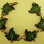 SALE Adorable Vintage 1950's Enamel (on Copper) Leaves Link Bracelet