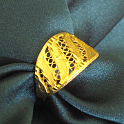 SALE Beautiful Vintage 18K Yellow Gold Wide Filigree Ring- Size 8 3/4