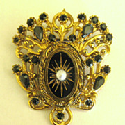 Elegant Vintage Ornate Faux Pearl and Black Glass Dangle Style Brooch