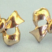 Lovely Vintage 1940's Gold over Sterling Vermeil Bow Earrings