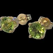 Lovely 14K Peridot Pierced Earrings .86 Carat