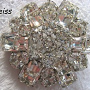 Brilliant & Sparkly Weiss Round Domed Pin Brooch