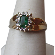 Beautiful 10k Gold and Emerald Ring