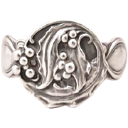 Unger Brothers Sterling Christmas Holly/Mistletoe Pattern Napkin Ring