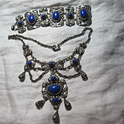 Silver Metal Festoon Necklace & Bracelet Set Fine Costume Jewelry