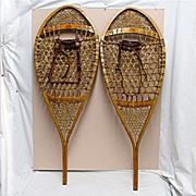 SALE Snowshoes a PAIR