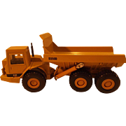 SALE Die Cast Ertl Caterpillar Model D350D Articulated Dump Truck, scale 1:50
