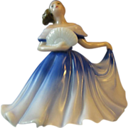 "Miniature Royal Doulton  ""Elaine"" o chips or cracks"