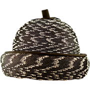"""Vintage Hattie Carnegie """"Berry"""" Style Black Straw Hat"""