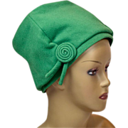 Stand-Out 1950s Kelly Green Wool Hat