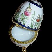 Porcelain Ring holder/egg with lovely tulip motif.