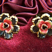 Vintage MADE IN AUSTRIA Gold Toned Metal Enamel Flower Screw Back Earrings
