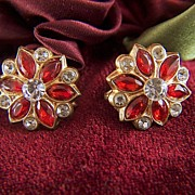 Vintage Red and Clear Rhinestone Screw Back Earrings - Gold Tone