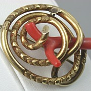 SALE 15 CT Gold Victorian Coral Kilt Pin