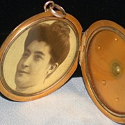 SALE Vintage Diamond and 9C Gold  Locket