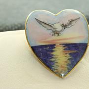 9 CT Victorian Enamel Heart Dove Pin